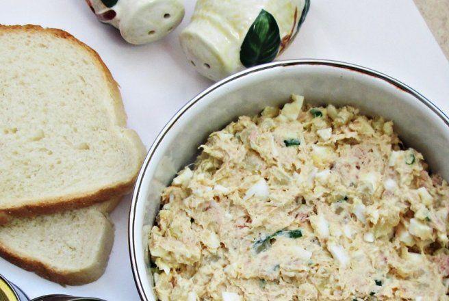 Retete Culinare - Salata cu ton, oua si cartofi