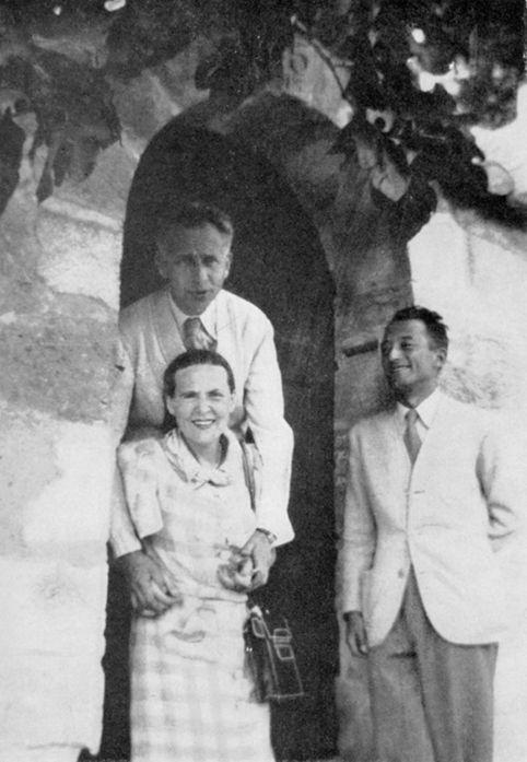 Pierre Seghers avec Louis Aragon et Elsa Triolet à Villeneuve-lès-Avignon à la fin de l'été 1941