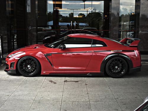 Nissan GT-R R35 by Tommy Kaira.