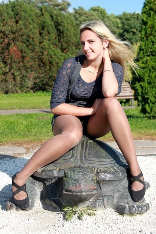 Pin On Pantyhose Outdoors-5256