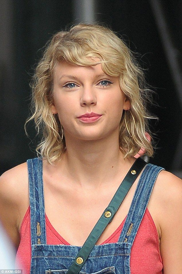 Taylor Swift Flashes Legs In Denim Skirt After A Sweaty -9389