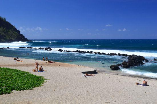 Le bassin de baignade à Grande Anse, Petite Ile, Destination sud Réunion