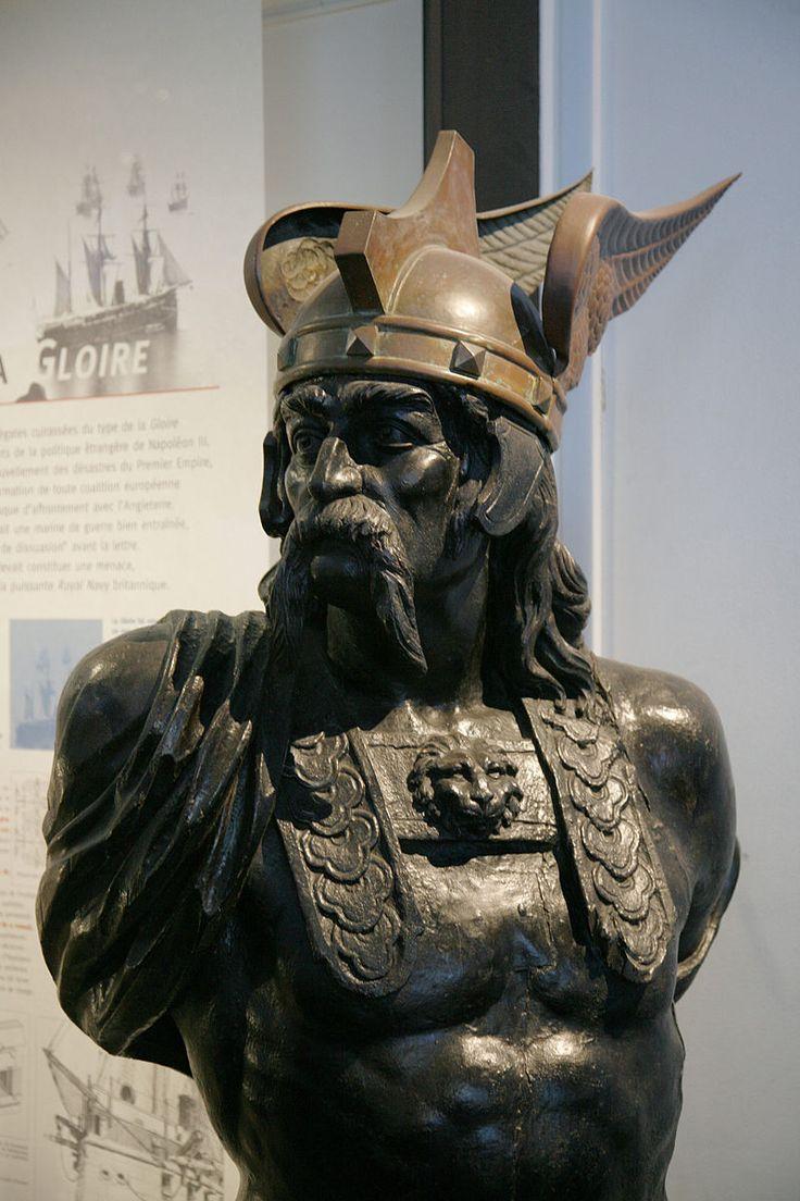 Buste de Brennos musee de la marine