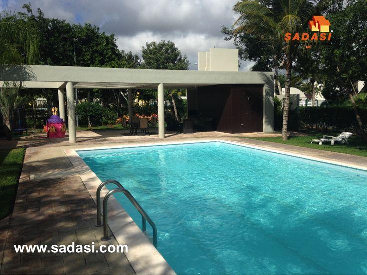 #conjuntoshabitacionales LAS MEJORES CASAS DE MÉXICO. En el paraíso de Cancún, ubicado en Av. 135 SM. 326 Mz. 1, en Residenciales del Sur, GRUPO SADASI le muestra nuestro desarrollo JARDINES DEL SUR III. A 10 minutos del centro, con barda perimetral, doble caseta de vigilancia y áreas verdes. Contamos con 7 prototipos de 2 y 3 recámaras y con casas en privadas con alberca y palapa. Solicite informes para adquirir su nueva casa al teléfono 01(998)2104400