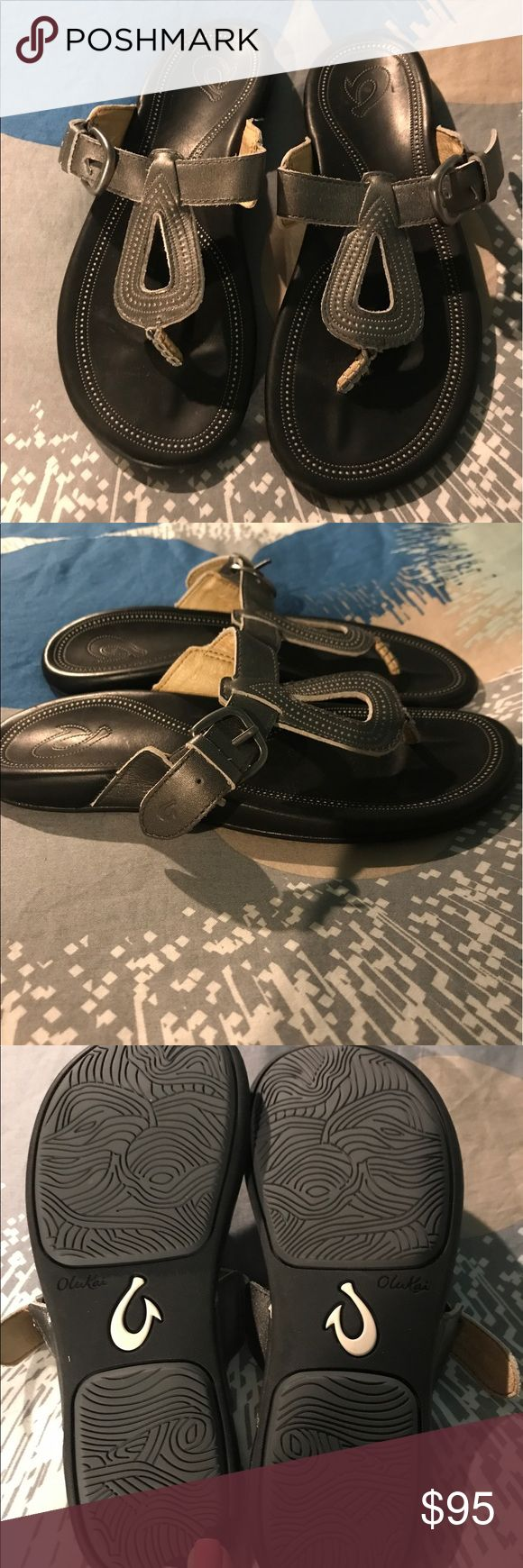 Olukai lanakila sandals women's 7 NWOT silver leather sandals. Beautiful. Women's size 7 OluKai Shoes Sandals