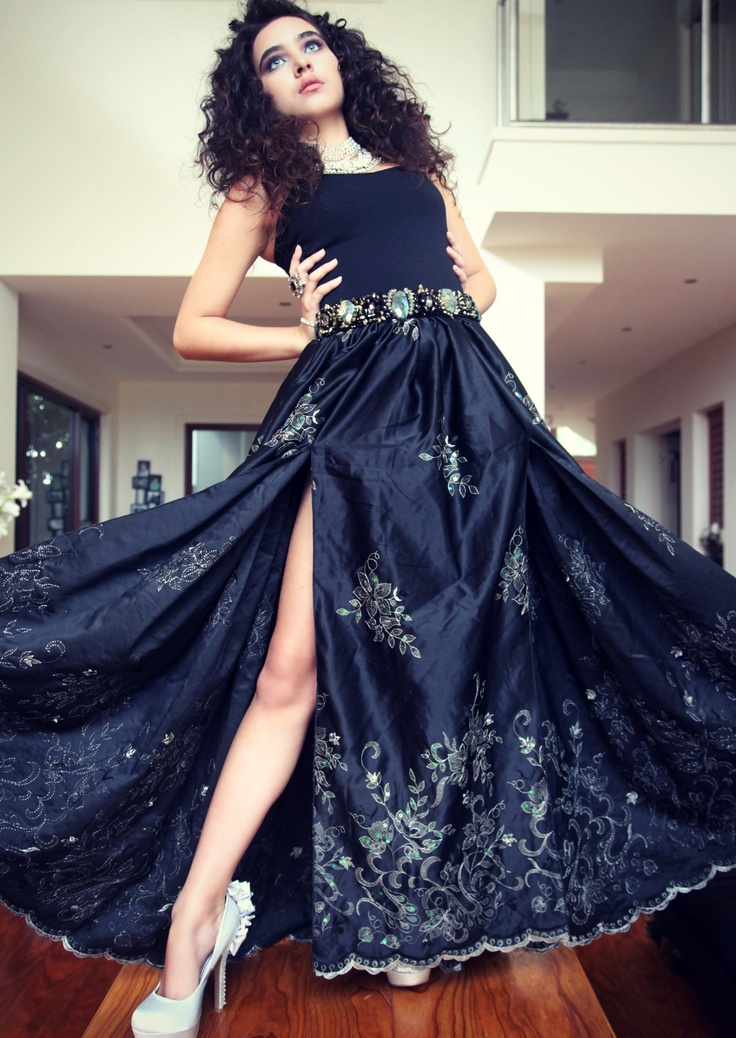 Damsel in this Dress  http://www.facebook.com/pages/Damsel-in-this-dress/76888014724