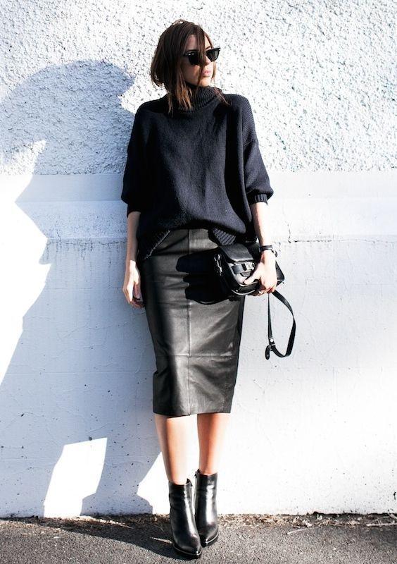 ヒザ下の大人タイト。素敵な40代の着こなし術♡アラフォー レザースカートおすすめコーデ術です。