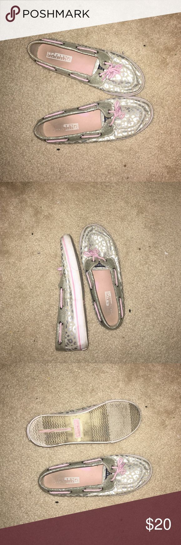Sperry kids leopard shoes Pink and silver sperrys they are a little dirty but can be easily cleaned. They are a size 4.5 in kids I am a size 6 in women's and they fit me perfect Sperry Top-Sider Shoes
