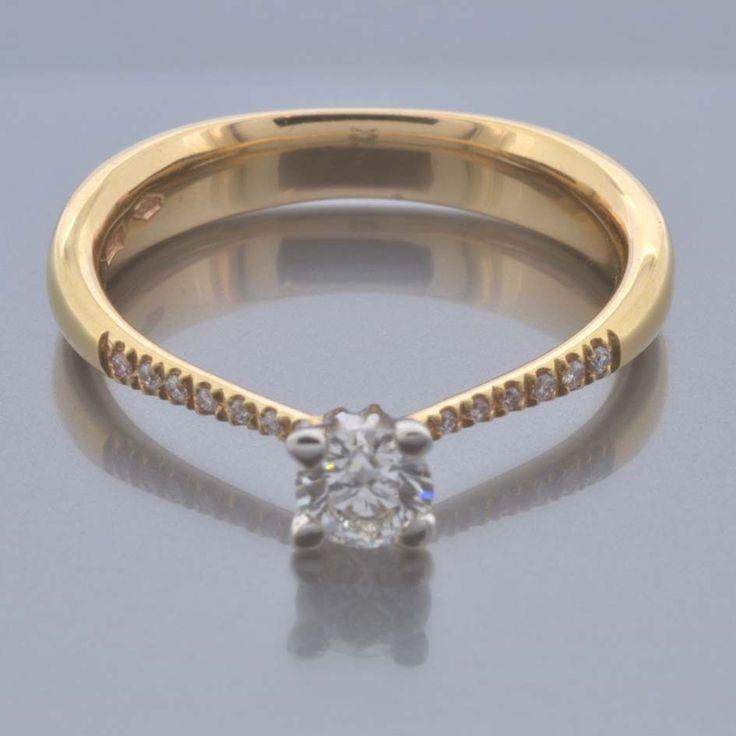 Anello Solitario Oro Giallo 18 kt con Diamanti Naturali kt 0.41 G VVS2