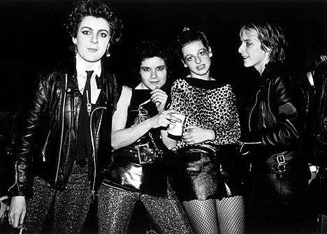 Resultado de imagen para moda punk 80