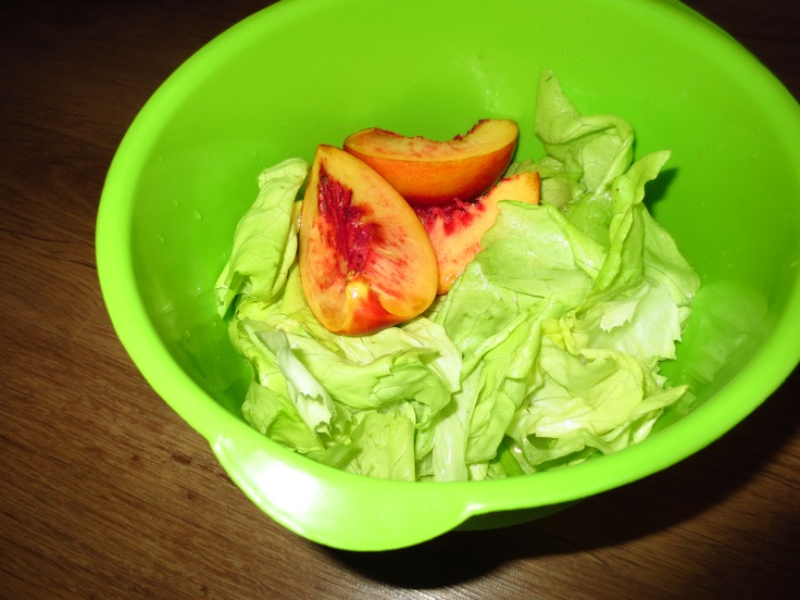 pfirsich. Salat.