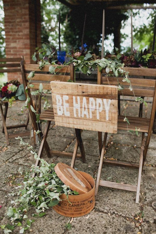 Rustic Be Happy wedding sign / http://www.deerpearlflowers.com/rustic-wedding-details-ideas-you-will-love/