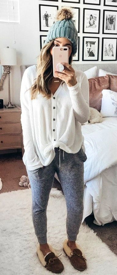 #winter #outfits white button-up long-sleeved shirt #womenclothingwinter