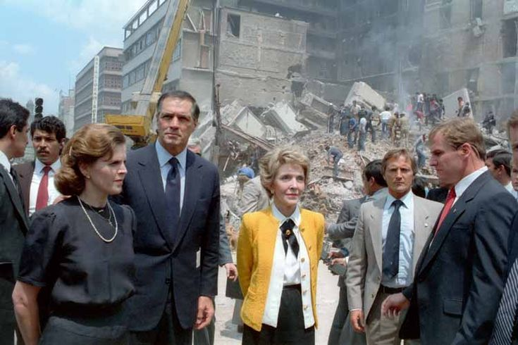 Mexican first lady Paloma Cordero; U.S. ambassador to Mexico, John Gavin; and the U.S. first lady Nancy Reagan observing the damage done by the 1985 Mexico City earthquake.