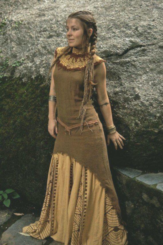 tara tribal no cover kleid aus subtil rohseide natur eco etuikleider