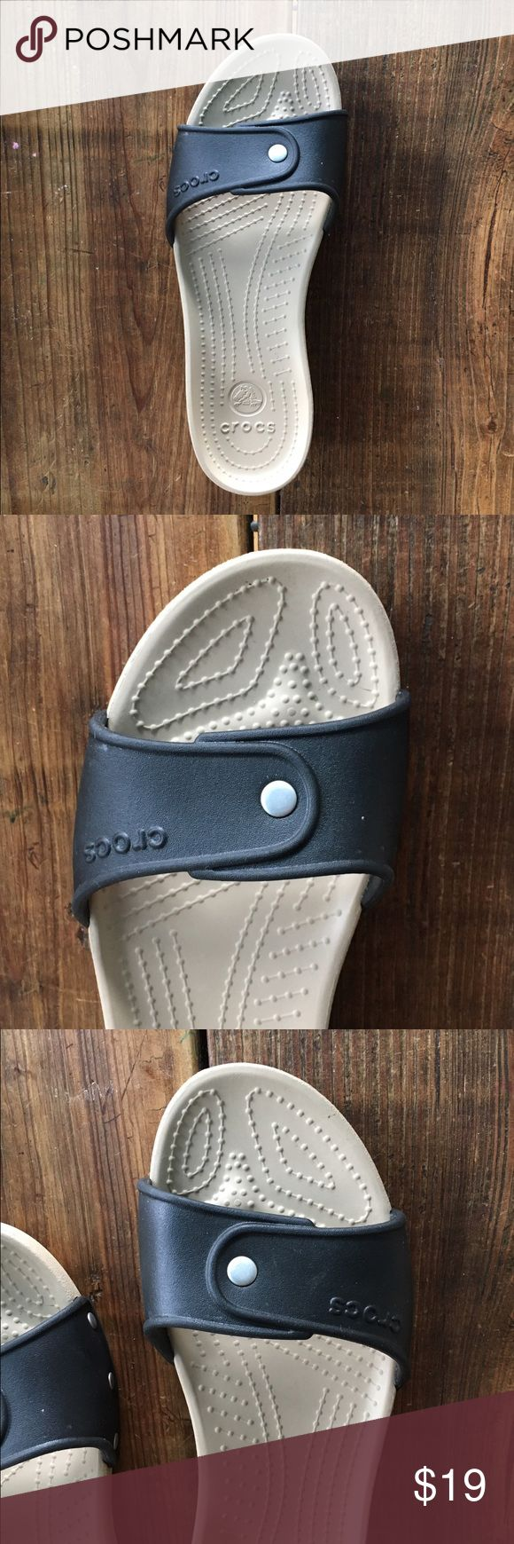 Womens Crocs Size 8 Cute! NWOT Display Shoe Womens Crocs Size 8 Cute! NWOT Display Shoe Please see photos for details or message with questions, thanks! CROCS Shoes Sandals