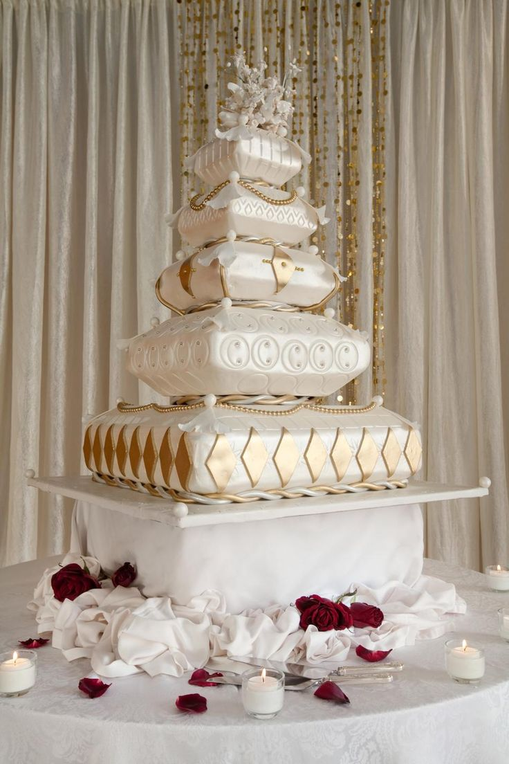 pillow wedding cake 207 best images about pillows of cake on cakes 18514