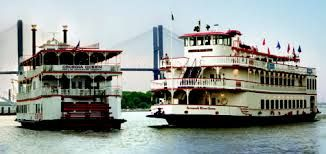 Visit Savannah Georgia! The Official Travel & Tourism Guide to ... A complete Savannah GA Travel & Tourism Guide specializing in the Historic District, hotels, bed and breakfasts, tours, restaurants, real estate, attractions and ... http://www.savannah.com/