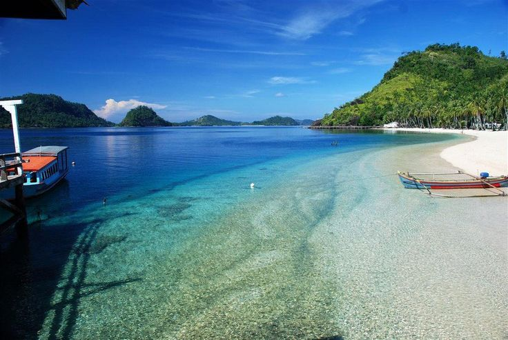 Lampung provides the first experience of a tropical holiday with its tropical climate, nature and animals. Catch the dolphins, meet the elephants, or hike the volcano. Lampung has it all.
