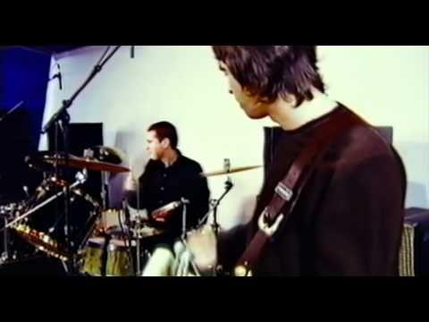 Liam & Noel Gallagher, Paul Weller - Carnation