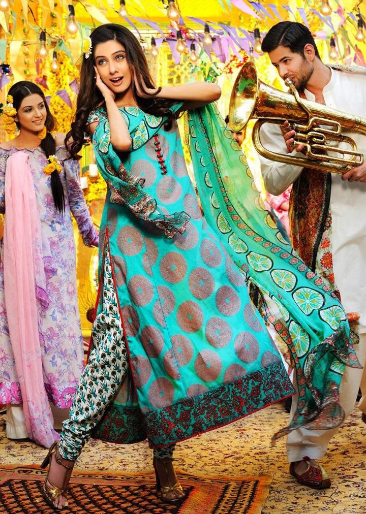 1000+ images about Mehndi dresses on Pinterest   Mehendi Brides and Pakistani bridal