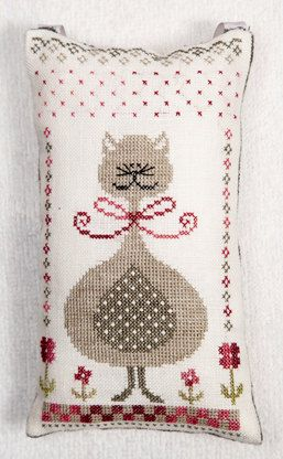 Minou Kitty French cross stitch pattern by Tralala at thecottageneedle.com