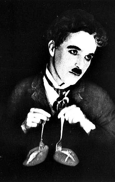 """Charlie Chaplin in """"The Gold Rush"""",1925."""
