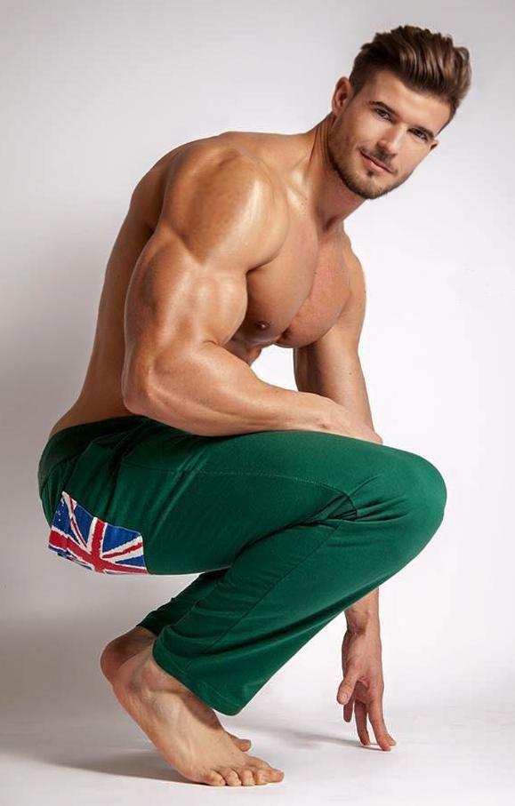 Follow Hunk'o'pedia for more hot guys! | Follow my... - Hunk'o'pedia