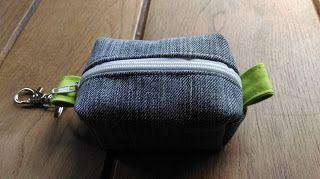Tante Miena:  klein tasje / portemonnee van spijkerstof gemaakt...