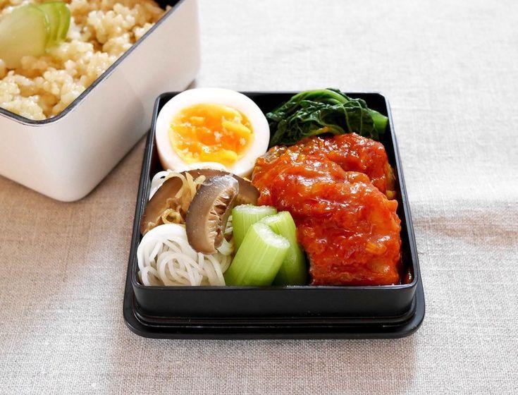 玄米ご飯180g 搾菜、鱈チリ、縮み雪菜中華風お浸、にぬき振り塩、椎茸ビーフン、セロリ甘酢