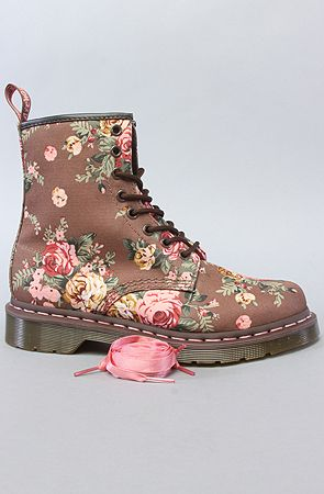 The 1460 8-Eye Boot in Taupe Victorian Flowers