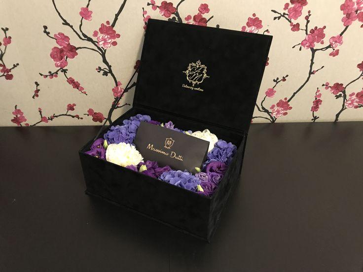 Floral arrangements flower box Luxury Flowers Velvet box Floral art Floral design