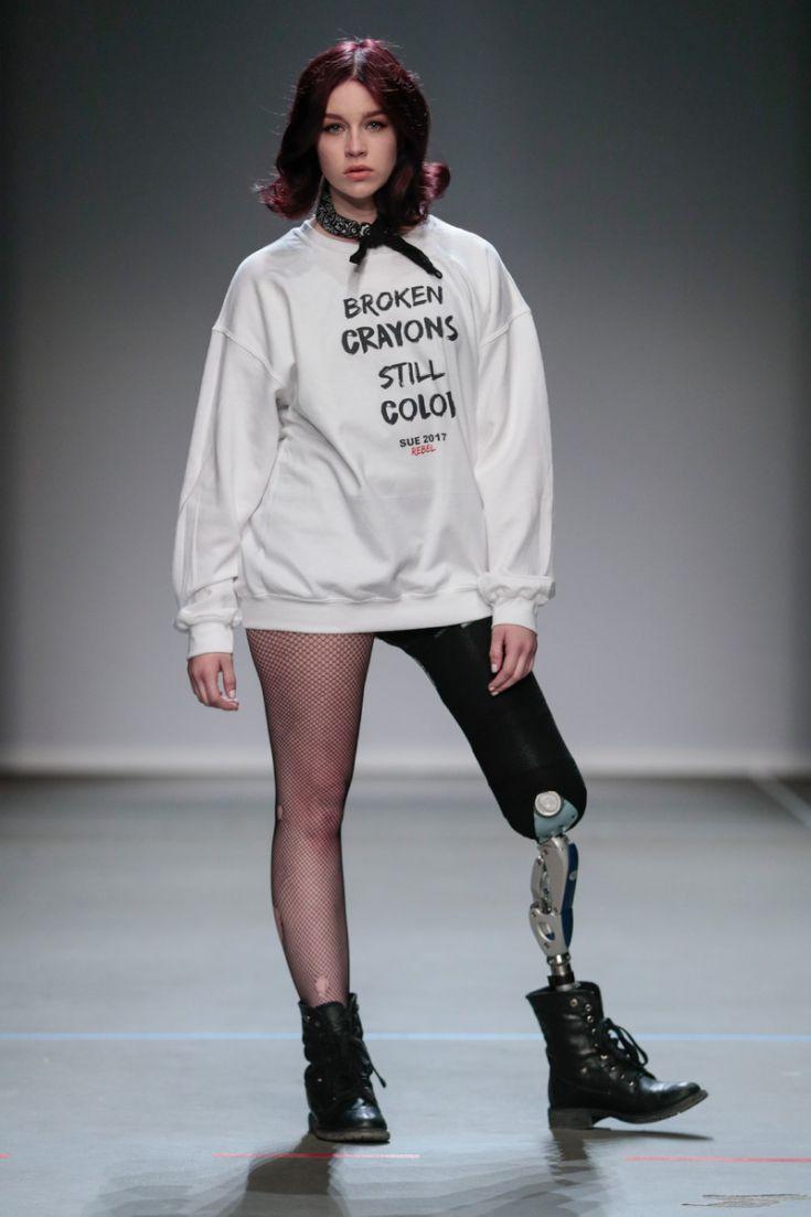 Er waren ook sweaters met een statement-tekst. Credits: Team Peter Stigter.