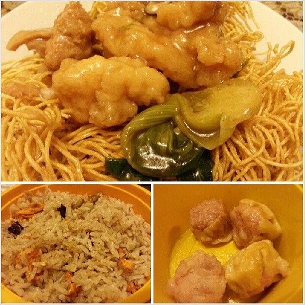 #northpark #special #toasted #noodles #salted #fish w/ #chicken #fried #rice and #siomai for #dinner #yummy #chinese #food #philippines #takeout #かた焼きそば #チャーハン #シウマイ #晩ごはん #中華料理 #フィリピン #テイクアウト