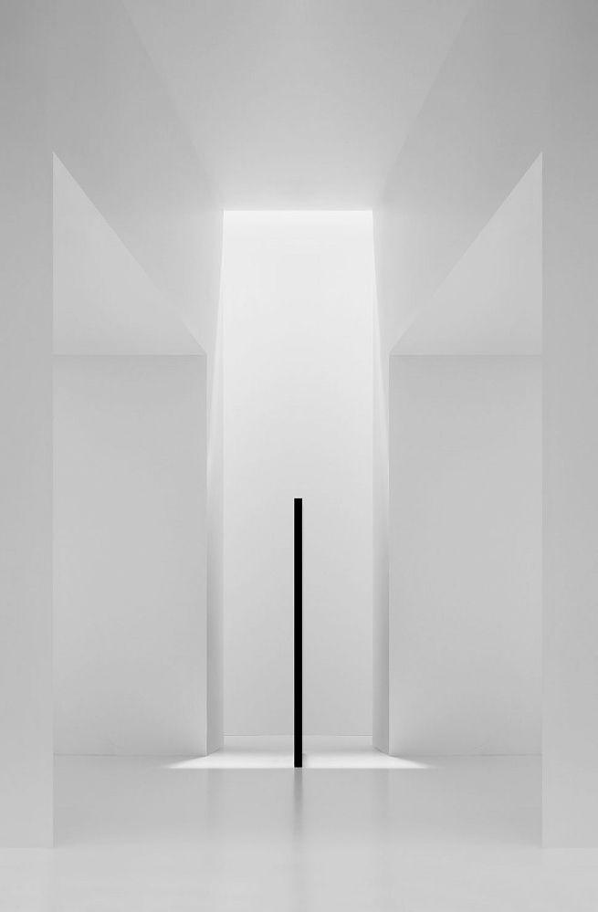 Minimalism white art installation vedas by cope for Minimal art installation