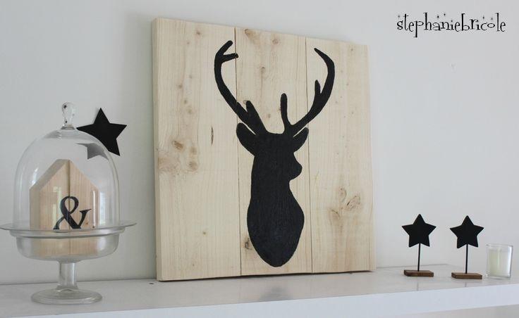 id e d co scandinave silhouette de renne peinte sur du bois nordique diy d co et cadres. Black Bedroom Furniture Sets. Home Design Ideas