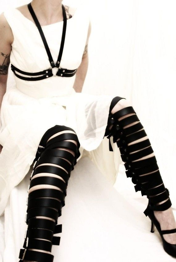 Willow Black Leather Necklace Strap Fashion Harness Belt