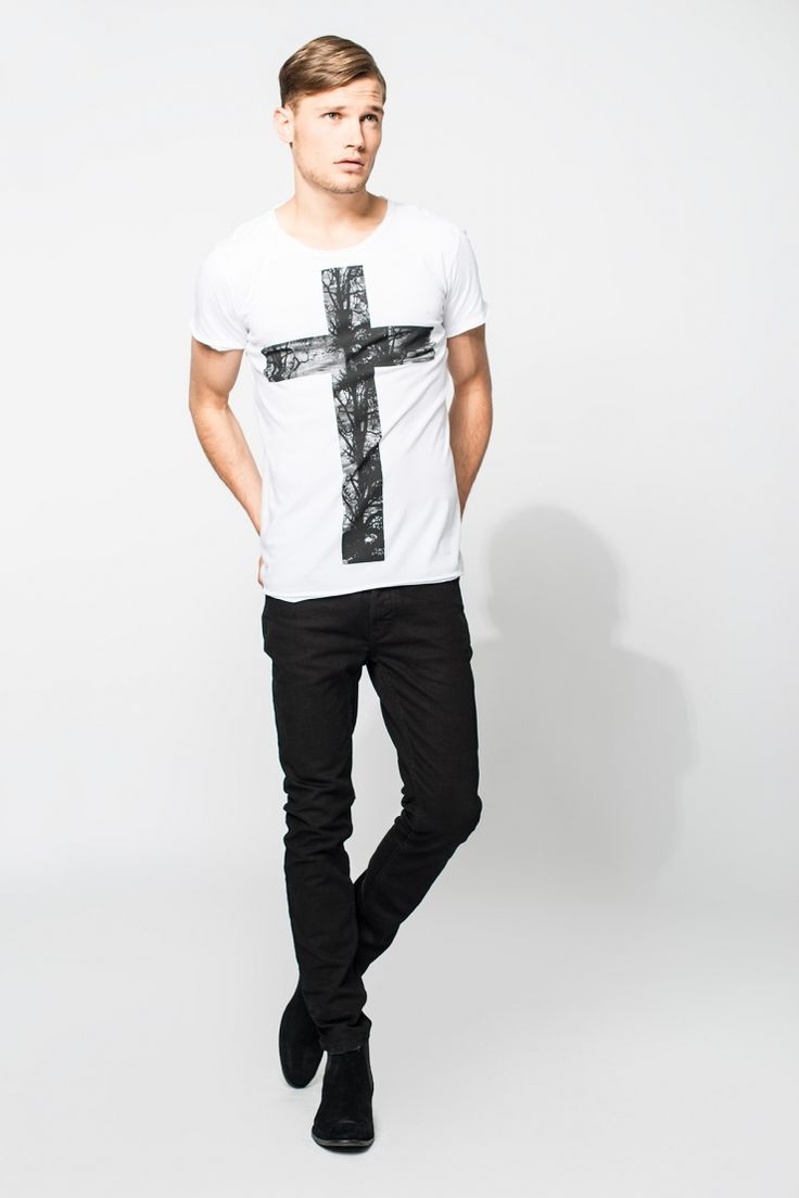Tigha Cross MSN T-Shirt mit Frontprint - buy it on fablife.de