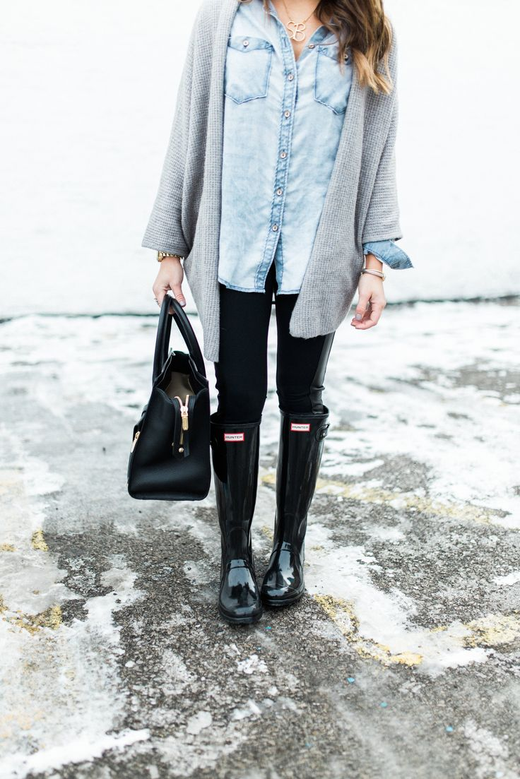 Snow Day Outfit Inspiration: Ft. Open Cardigan, Chambray Shirt, Hunter Boots,Henri Bendel Tote