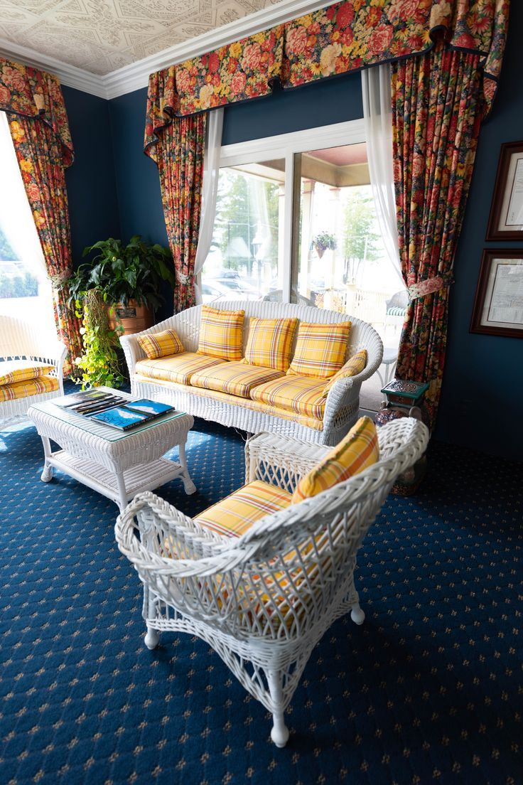 Luxury Hotels Of The World: Stafford's Bay View Inn (With