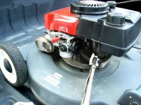 How to clean out the carb on a small engine - YouTube