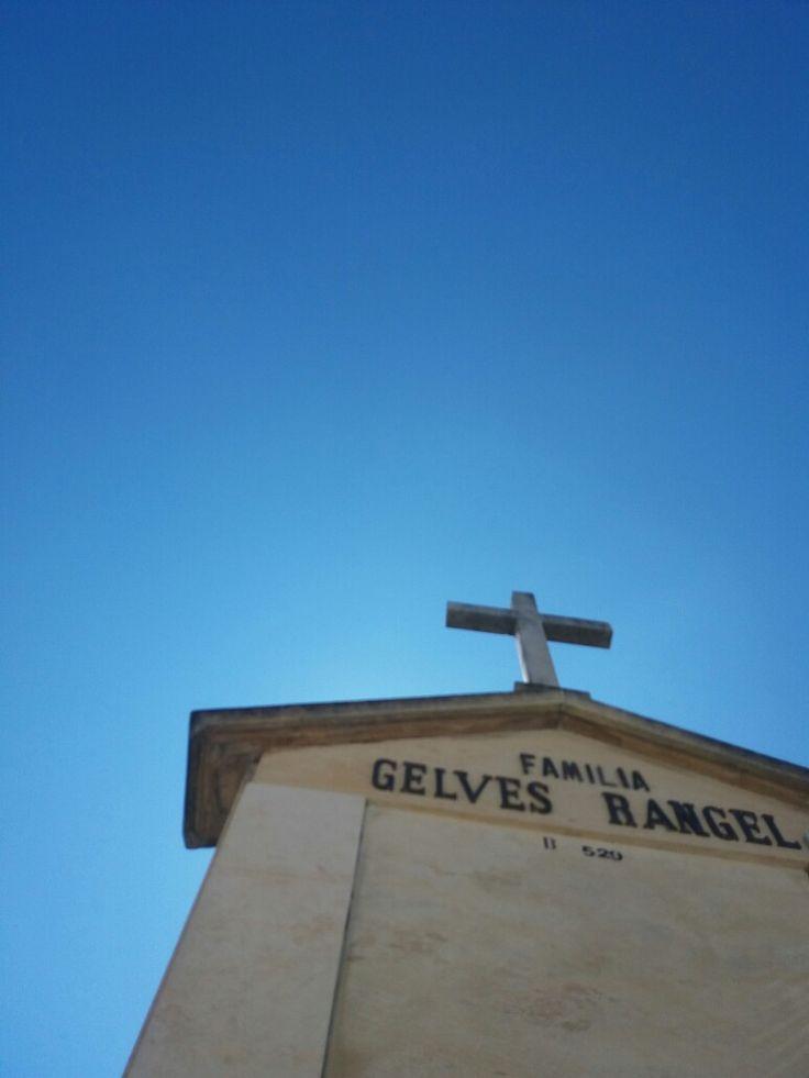 Cementerio parroquial Santa Bárbara de Usaquen.