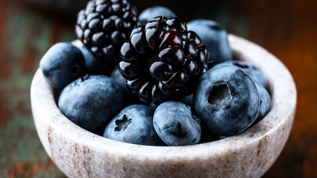 Eating blueberries picked in the wild, called bilberries, can diminish the many undesirable effects of a high-fat diet, including inflammation and rising blood pressure, according to a study at the University of Eastern Finland.