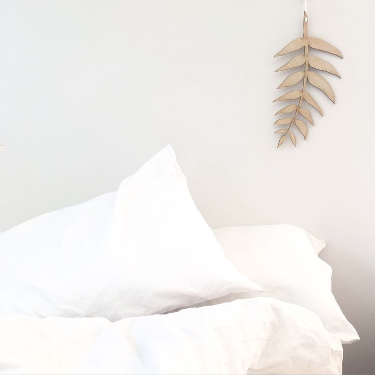 $30 + GSTCut from light weight wood measuring 24cm (leaf only) and approx 50cm in total with string (included)3mm thicknessUnpainted raw timberPlease note wood grain may vary from p...