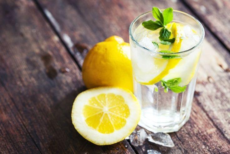 Tuesday's Tip: IJskoud water drinken. Waarom? http://dejlig.nl/ijskoud-water-drinken/