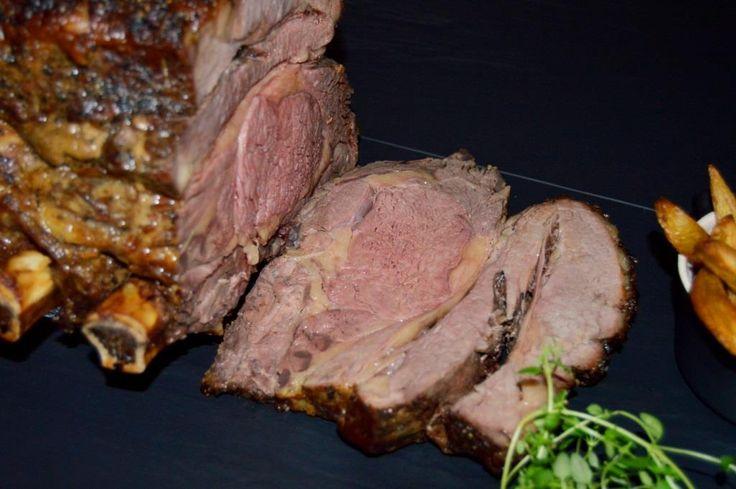 Prøv at lave vores helt unikke oksehøjreb. Det er helt ubeskriveligt lækkert! Fantastisk smag og mørhed, og så passer kødet tilmed næsten sig selv i ovnen/ på grillen.