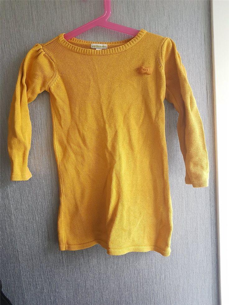 Annons på Tradera: Finstickad klänning i begagnat skick,något tvättpåverkad.Stl 102.Fri Frakt!