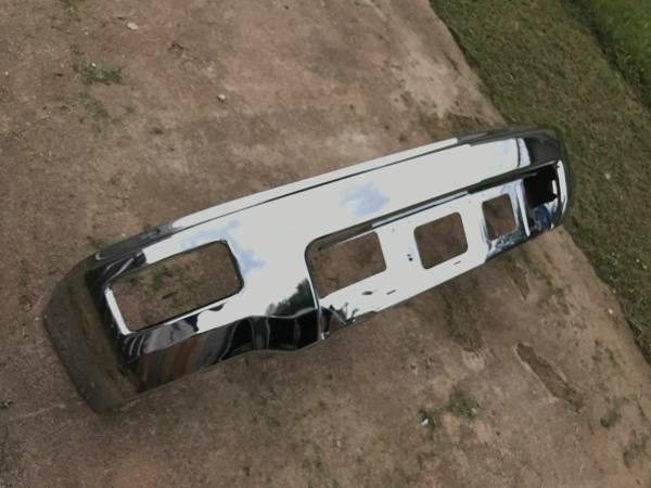2014 Silverado OEM front bumper LIKE NEW CONDITION – auto parts – by owner