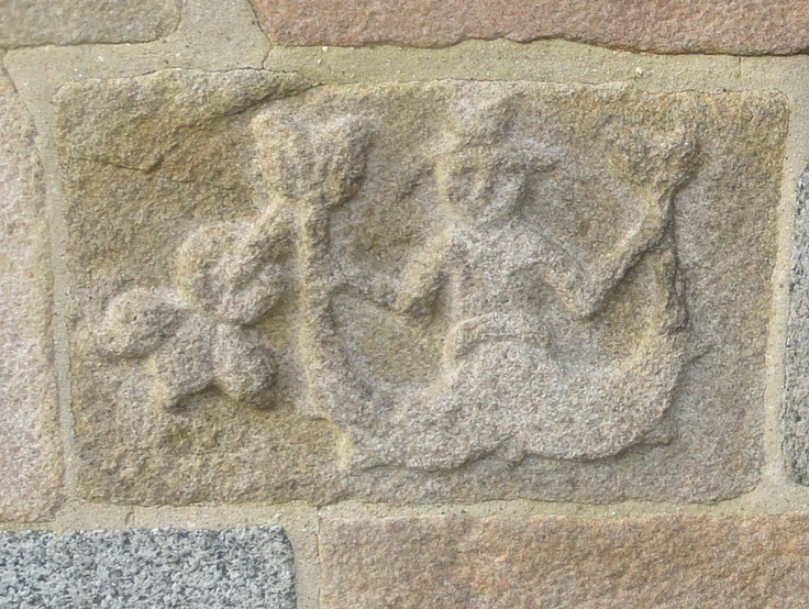 The Mermaid in Lem - remarkable with its two tales. Symbolises temptation, I suppose. But what is the strange thing to the left? And strange that she wears a hat!
