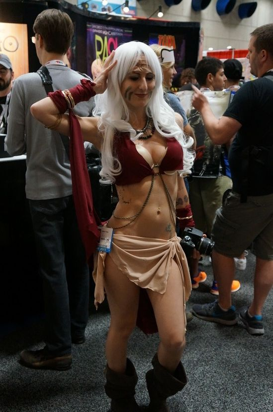She's loving it #SDCC #cosplay